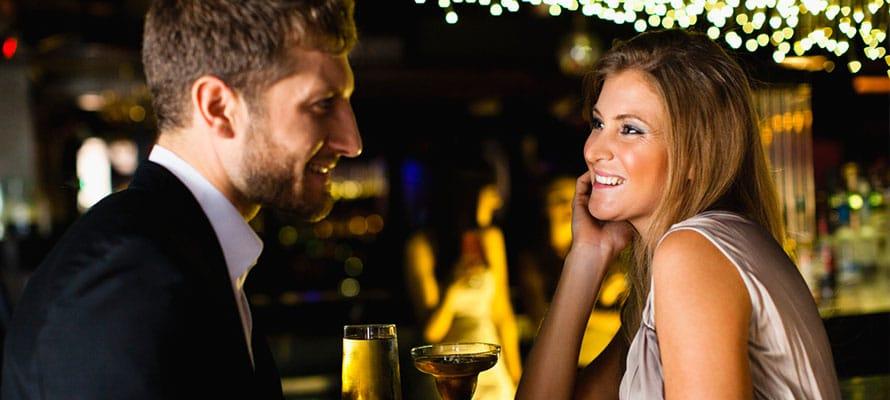 7 Tipi di Uomini che Puoi Incontrare al bar