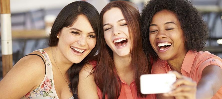 Come Flirtare Via SMS senza con un uomo